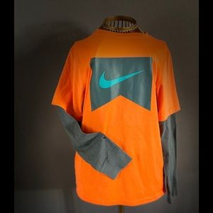 NWT Nike boys shirt